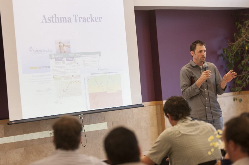 Shane Willard present eAsthma Tracker at LaunchUP.